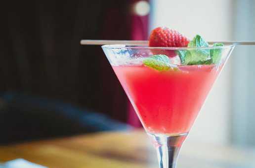 Préparez des cocktails fruités pour vos invités
